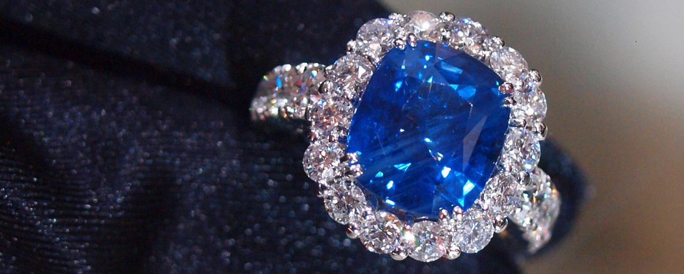 Delhi Blue Sapphire Stone and its Curse