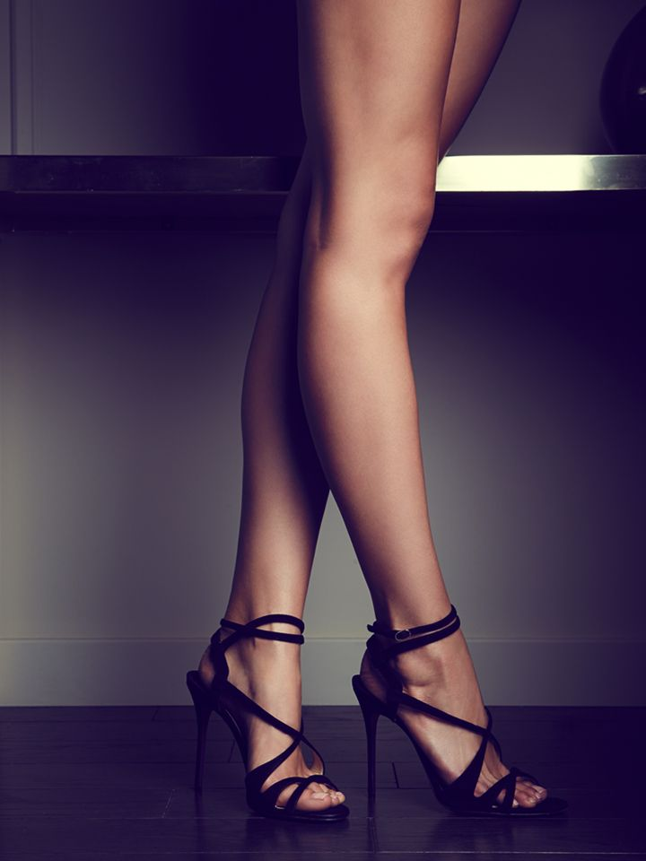 Strappy shoes for women