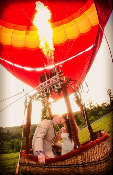 balloon wedding - exotic wedding venues