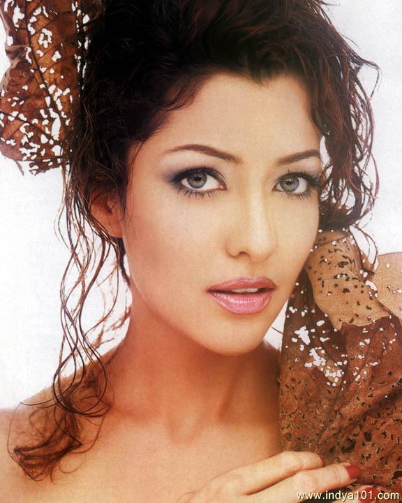 Supermodels Aditi Gowitrikar photoshoot